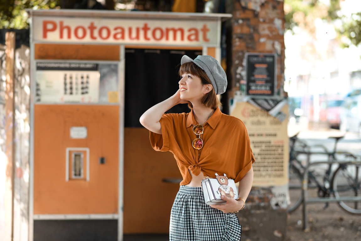 orange, karo, photoautomat, berlin, fashionblog, modeblogger, herbst, inspiration, ootd, outfit, rock, midi
