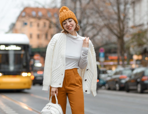 öffis, bvg, berlin, outfit, streetstyle, gelb, senfgelb, fashionblogger, lifestyleblogger, modeblogger, outfit, trambahn